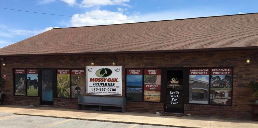 Mossy Oak Properties Strawberry River Land & Homes
